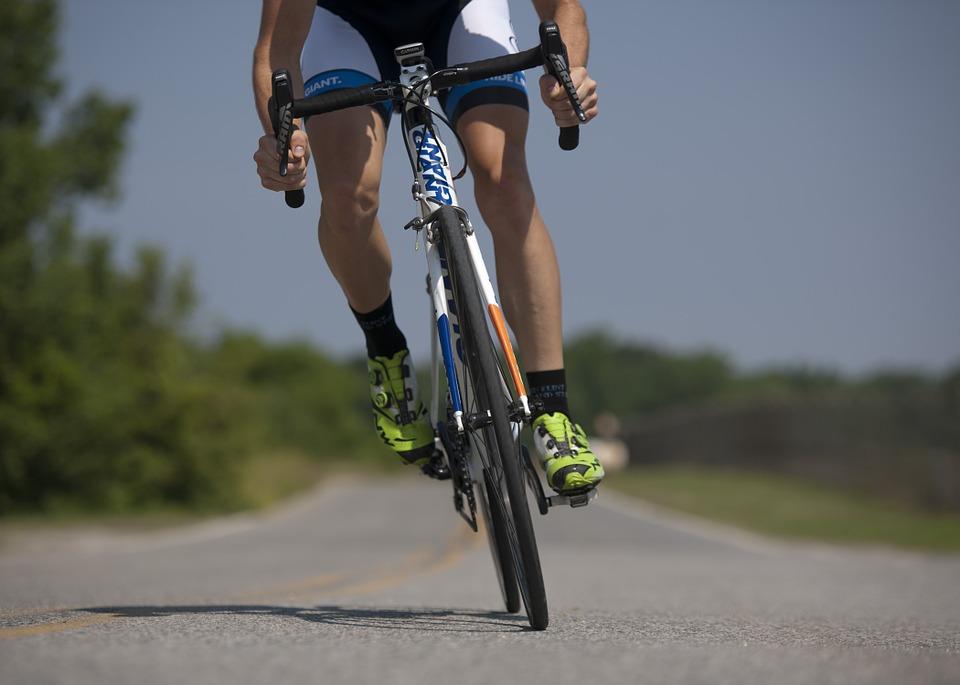 ¿Ha llegado la hora de prohibir o limitar el acceso de los ciclistas alas carreteras y zonas sensibles?