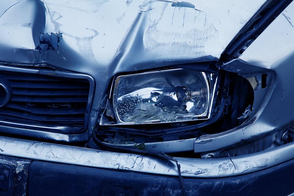 Mi aseguradora declara mi coche siniestro total, ¿qué me pagan?