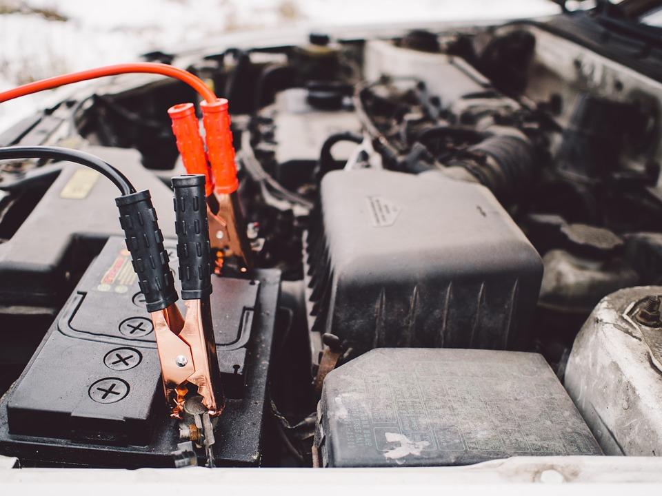 Me han robado la batería del coche. ¿Me lo cubre el seguro?