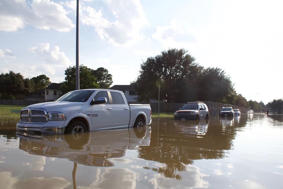 Daños auto inundación. Reclamación Consorcio.