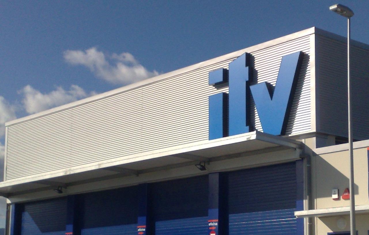 ¿Me cubre el seguro de mi coche si no he pasado la ITV?