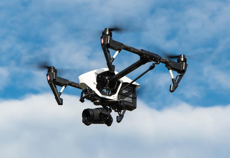 ¿Vehículos aéreos no tripulados?
