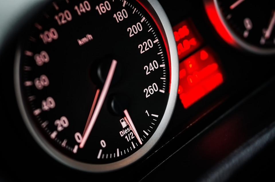 Límites de velocidad y multas en España en 2020